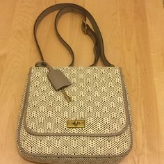 """*SALE* FOSSIL MEMOIR STRAW Small Flap Body Purse Straw with leather trim, straw pattern is off white and black, with light grey trim and strap, Approximately 9""""W x 8""""H x 2""""D Fossil Bags Crossbody Bags"""