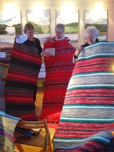 Woven Rug, Loom, Hand Weaving, Textiles, Rag Rugs, Crafty, Blanket, Zippers, Crochet