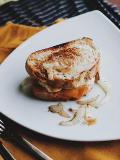 I'm making this for dinner: Grilled cheese sandwich with a hidden poached egg!  via (old brand new)