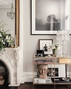 Home Interior Contemporary We take a look inside the New York City townhouse of and Catherine Martin. Home Decor Styles, Cheap Home Decor, Living Room Decor, Living Spaces, Living Room New York, Small Living, Living Rooms, New York Homes, Vogue Living