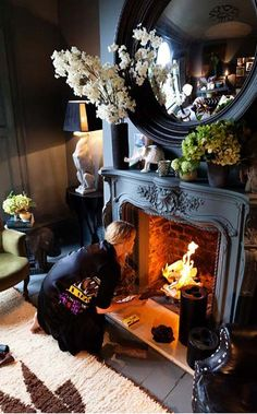 """I love the """"Alice in Wonderland"""", yet sophisticated grown-up feel that Abigail achieves in her gorgeous spaces. http://abigailahern.files.wordpress.com/2012/08/fireplace-1.jpg"""