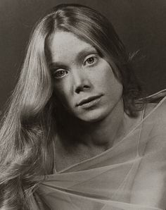 """Sissy Spacek~Loretta Lyn~top 10 performance by a female lead for me~""""Crimes of the Heart"""" oh Babe~love her~JN Hooray For Hollywood, Hollywood Stars, Old Hollywood, Sissy Spacek, Mary Elizabeth, Female Actresses, Actors & Actresses, Carrie Movie, Carrie White"""