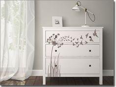 Passgenaue Möbeltattoos und Möbelfolien für Schlafzimmer