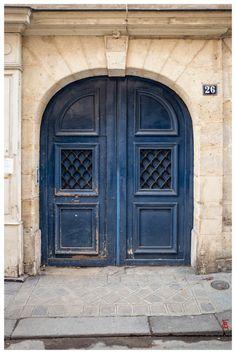 jarri mimram Porte cochère … à Paris, quartier du Marais (10).