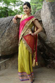 Check Out Indian Film Actress Ronica Singh Photos South Indian Actress Hot, Indian Film Actress, Indian Actresses, Saree Dress, Dress Skirt, Half Saree, Beautiful Saree, India Beauty, Indian Designer Wear