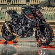@dailyktm ➖➖➖➖➖➖➖➖➖➖➖➖➖➖➖ #2wheelslovers #Motorcycle #instamotogallery #ducati #bikelife #moto #motogp #sportbike #superbike #instamotorcycle #instamoto #pistonaddictz #bikeswithoutlimits #sportsbikelife #r1 #honda #yamaha #kawasaki #suzuki #mvagusta #cbr600rr #r6 #s1000rr #bikenight #yzf #yamahar1 #rideout #motogp2016 #bikerchick #harleydavidson