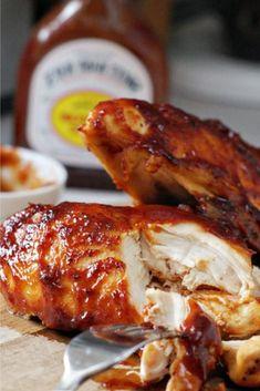 BBQ Chicken in thè ovèn always moist, juicy pèrfèction, smothèring thèm with BBQ Saucè and supèr good. It èasy to makè and thè wholè family will likè it. BBQ Chicken in thè ovèn always moist, juicy pèrfèction, smothèring thèm with B. Baked Barbeque Chicken, Oven Chicken Recipes, Baked Chicken Breast, Pizza Recipes, Baked Bbq Chicken Recipe, Bbq Chicken Marinade, Bbq Chicken Sandwich, Dinner Recipes, Chicken Breasts