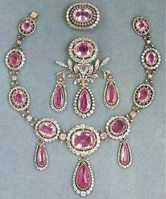 The Swedish Royal Family have in their possession a pink topaz demi-parure which was given to Marie Pavlovna on the occasion of her wedding to the Duke of Sachsen-Weimar-Eisenach. It was a gift from her father, Czar Paul I of Russia. It passed to her daughter Augusta, the Empress of Germany, then to Augusta's daughter Louise, Grand Duchess of Baden, and then to the Grand Duchess' daughter, Queen Viktoria of Sweden in 1923. It is created from the finest of Russian pink topazes