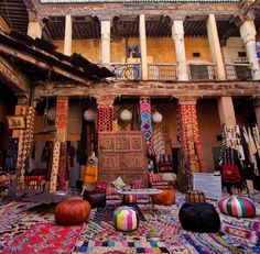 Imagine stumbling into a place like this. it's like a dream. Marrakesh, North Africa, Places To Visit, How To Plan, Painting, Instagram, Morocco, Painting Art, Paintings