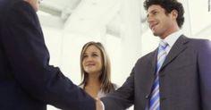 Γλώσσα του σώματος: 7 συμβουλές για να κάνετε άψογη πρώτη εντύπωση!