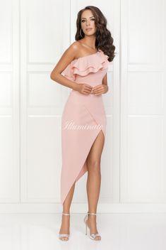 AGNES pudrowy roz asymetryczna sukienka na wesele. Góra sukienki wykonczona dekoltem z falbaną. Elegancka olowkowa wyjatkowa sukienka na wesele. Formal Dresses, Model, Fashion, Dresses For Formal, Moda, Formal Gowns, Fashion Styles, Scale Model