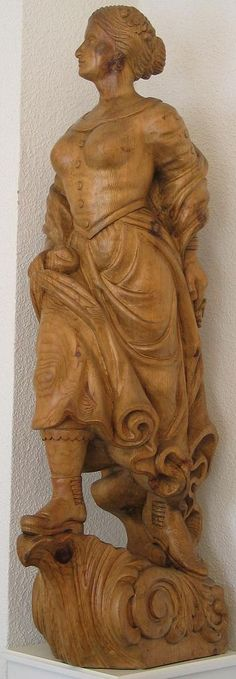 Figurehead Wooden Ship, Wooden Art, Tree Carving, Wood Carving, Ship Figurehead, Magical Creatures, Gods And Goddesses, Wood Sculpture, Nautical Theme