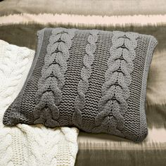 I love cableknit pillows like these. :)