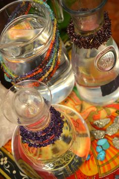 Reprogram your body for healing by energizing your water with crystals! The crystals can hold your intention for healing to help energize and heal your body from the inside out. #healing #crystals #water