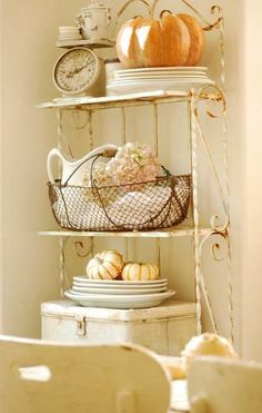 Mod Vintage Life: Fall Decorating