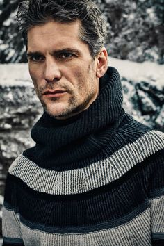 Belstaff Fall 2016 Menswear | AucciKnitting | Knitting | Knitting project | Knitwear 2016 | Moda | boy | Pullover | Pullover Sweater | Pullover stricken | Pullover outfit | Pullover nähen | Pullover stricken anleitung | Stricken | Stricken deutsch | Stricken anleitungen | Sweaters | Sweater outfits | Sweater for fall | Sweater weather | Hand made | Men | Black color | Black sweater | Jacquard | White | Multicolor