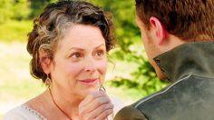A atrizGabrielle Rose está voltando para reprisar o papel. Com isso, será que algo obscuro no passado do nosso Charming  será revelado?    ...