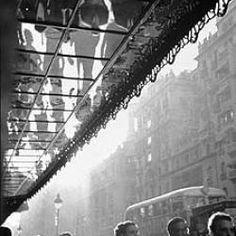 Gran Via con Montera, años 50 (Catalá-Roca)