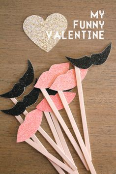 how to make Mustache and Lips on a stick