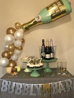 Champagne and New Year's Eve go hand in hand, so a fun focal point for a NYE party is a Bubbly Bar, where you can have champagne, champagne flavored items, and festive treats. New Year'… 21st Birthday Decorations, New Years Eve Decorations, Champagne Birthday, Champagne Party, Bubbly Bar, Champagne Balloons, Deco Ballon, Adult Birthday Party, Elmo Birthday
