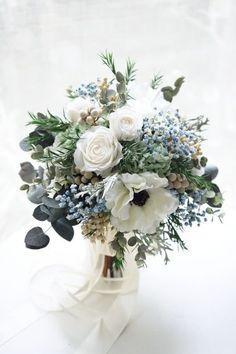 Blue Wedding Flowers, Wedding Flower Arrangements, Bridal Flowers, Flower Bouquet Wedding, Floral Wedding, Wedding Colors, Floral Arrangements, Blue Bouquet, Blue Flowers
