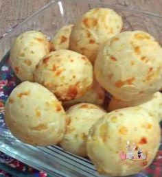 Pão de queijo com creme de leite, elaborado com três ingredientes, mais fácil impossível.