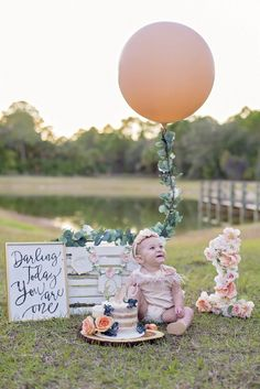 Peach Party! Happy Birthday Baby Girl, 1st Birthday Party For Girls, Birthday Cake Smash, Birthday Ideas, Birthday Girl Pictures, First Birthday Photos, Outdoor Cake Smash, Festa Moana Baby, 1st Birthday Photoshoot