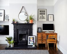 Nine Lovely Things Image Credit: Design*Sponge London Living Room, Desk In Living Room, Living Room Photos, Home And Living, Living Spaces, Diy Computer Desk, Living Room Decor Inspiration, Sofa Colors, Organizing Your Home