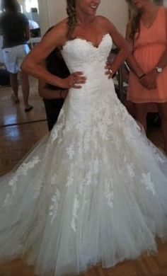 Used Enzoani Wedding Dress Erin, Size 6  | Get a designer gown for (much!) less on PreOwnedWeddingDresses.com