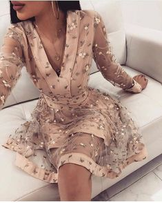 champagne long sleeves v-neck homecoming dress,applique lace school event dress . Read more The post champagne long sleeves v-neck homecoming dress,applique lace school event dress appeared first on How To Be Trendy. Long Sleeve Homecoming Dresses, Hoco Dresses, Event Dresses, Flower Dresses, Pretty Dresses, Beautiful Dresses, Sexy Dresses, Long Sleeve Dresses, Summer Dresses