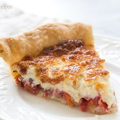 Tomato Pie from Simply Recipes! Fresh chopped tomatoes, basil and onions, topped with mixture of shredded cheese and mayonnaise, baked in a pie shell. Pie Recipes, Veggie Recipes, Cooking Recipes, Picnic Recipes, Cheese Recipes, Brunch Recipes, Baked Parmesan Tomatoes, Mousse, Tomato Pie