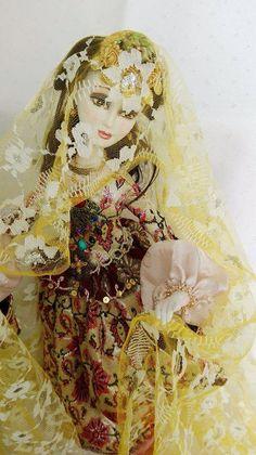 Azerbaijan doll artist