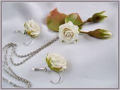 """Комплект украшений """"Белые розы"""". Холодный фарфор. - авторские украшения"""