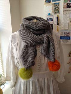 På et tidspunkt havde jeg set et halstørklæde på Pinterest, som jeg bare måtte strikke. Heldigvis havde jeg 4 ngl af det skønne Lima, fra D...