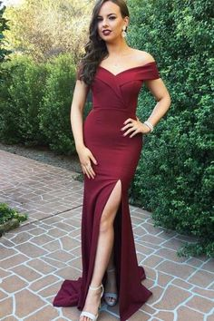 Off+the+Shoulder+Burgundy+Prom+Dress+with+Slit Shown+Color:+Burgundy Available+Color:+As+Picture+&+Custom+Color+(pls+put+color+or+color+code+in+the+order+note+section+when+you+check+out+since+color+variant+is+not+available+on+this+site) Available+Size:+Standard+Sizes+and+Custom+Sizes For+cu...