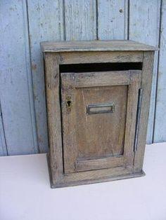boite aux lettres d 39 immeuble ancienne en bois bricolage meuse mariage. Black Bedroom Furniture Sets. Home Design Ideas