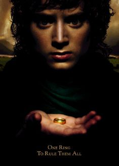 Elijah Woods playing as Frodo from The Hobbit and The Lord of the Rings movies. Lord Of Rings, Fellowship Of The Ring, Beau Film, Jrr Tolkien, Tolkien Quotes, Gandalf, Aragorn, Film Scene, The Lord