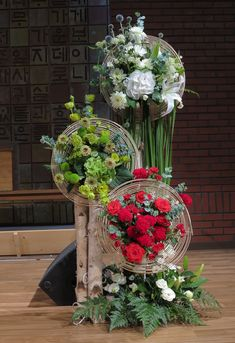 Contemporary Flower Arrangements, Tropical Floral Arrangements, Creative Flower Arrangements, Flower Arrangement Designs, Church Flower Arrangements, Church Flowers, Funeral Flowers, Wedding Backdrop Design, Flower Installation