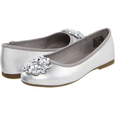 Cute jrs bridesmaids shoes or flower girl shoes #jevelwedding www.jevelweddingplanning.com