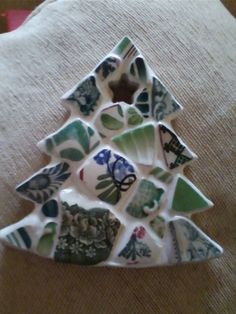 Another christmas tree decorated with the not so easy to find green sea pottery