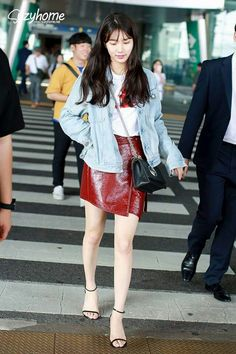 Suzy 170722 Incheon Airport From Italy