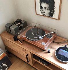 Home Audio Speakers, Audio Room, Wireless Speakers, Home Studio Setup, Home Studio Music, Vinyl Music, Vinyl Records, Dj Music, Audio Studio