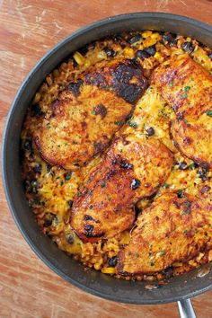 Mexican Chicken Cauliflower Rice Skillet – Emily Bites This Mexican Chicken Cauliflower Rice Skillet is a healthy, flavorful one-pot meal that's perfect for weeknights! Just 316 calories or 7 Weight Watchers SmartPoints. Rice Recipes, Mexican Food Recipes, Chicken Recipes, Dinner Recipes, Cooking Recipes, Ethnic Recipes, Recipies, Meal Recipes, Mexican Dishes