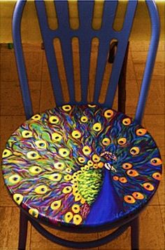 Peacock chair I love peacocks! It'd be fun to have different painted chairs : ) Funky Painted Furniture, Cool Furniture, Bedroom Furniture, Furniture Design, Decoupage Furniture, Modern Furniture, Moroccan Furniture, Bedroom Decor, Furniture Chairs