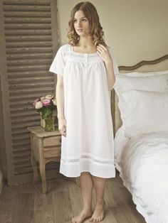 Shorter style white pure cotton nightie. Short sleeves edged with cotton  lace 0913612e6