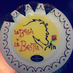 Y parte del equipo de La Bella y la Bestia pasaron por aquí. Su #ArteEfimero de postre