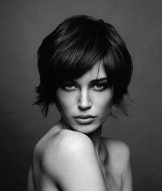 Sötét (haj)álmok... / Dark dreams... Medium Hair Styles, Short Hair Styles, Look Dark, Long Pixie, Queen Hair, Hair 2018, Good Hair Day, Hair Today, Hair Dos