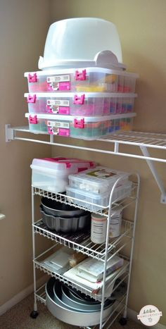 Baking supplies can quickly take over your kitchen. Check out these baking supply organizing ideas and take back your kitchen! Baking Storage, Baking Organization, Home Organization, Organizing Ideas, Bakery Kitchen, Home Bakery, Kitchen Jars, Kitchen Cupboard, Kitchen Appliances