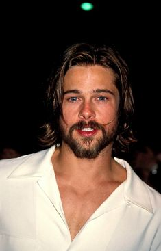 Actor Brad Pitt attends the 'Johnny Suede' Beverly Hills Premiere on. Cabelo Do Brad Pitt, Brad Pitt Hair, Johnny Depp, Brad Pitt Pictures, Hair And Beard Styles, Long Hair Styles, Actors Then And Now, Don Juan, Grunge Hair