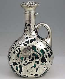 An art nouveau silver overlay decanter by the Gorham Company in 1900 (via Moz Carlson (mozcarlson) Vintage Silver, Antique Silver, Gorham Silver, Jugendstil Design, Art Nouveau Design, In Vino Veritas, Objet D'art, Vases, Vintage Antiques